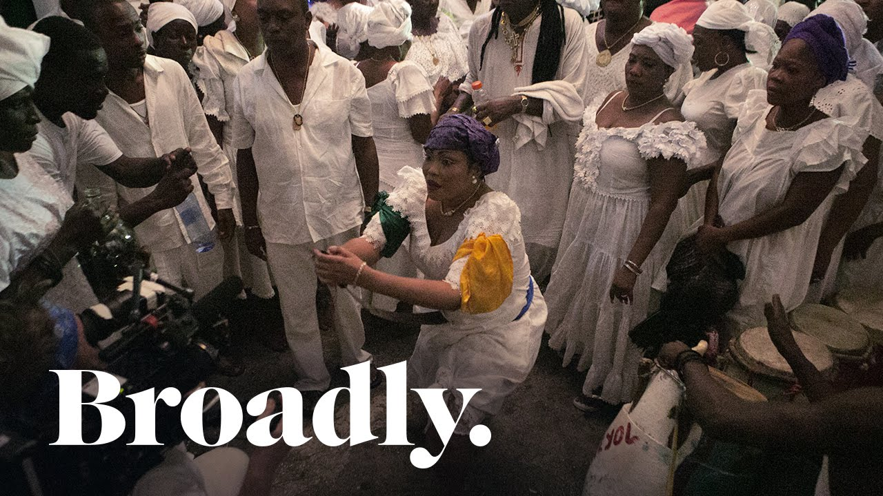 Meet the Vodou Priestess Summoning Healing Spirits in Post-Earthquake Haiti