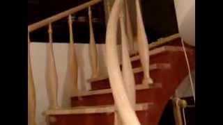 Винтовая лестница(Винтовая лестница изготовлена из массива ясеня.Поручень изготовлен гнуто-клееным способом,что позволяет..., 2013-09-12T19:44:13.000Z)