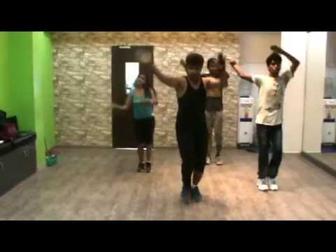 The Fitness Fiesta - Bollywood Zumba (R) with Sanntosh - Tattoo song ABCD 2 @
