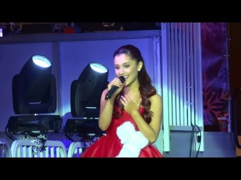 """Ariana Grande - """"Die In Your Arms"""" [Justin Bieber cover] (Live in Los Angeles 11-10-12)"""