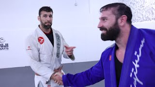 BODYBUILDER WHITE BELT VS BLACK BELT BJJ