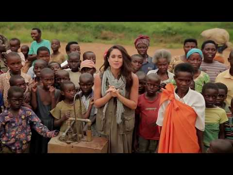 Meghan Markle in Burundi - visiting a borehole