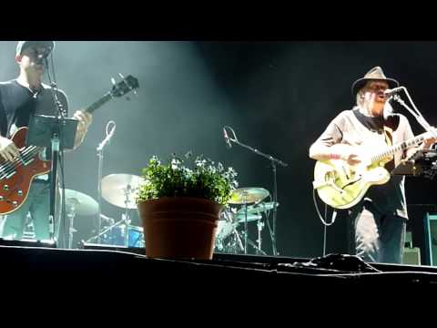 NEIL YOUNG WORDS(BETWEEN THE LINE OF AGES) LIVE PIAZZOLA SUL BRENTA 13 07 2016