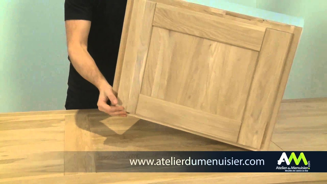 fixer un compas sur une porte de cuisine youtube. Black Bedroom Furniture Sets. Home Design Ideas