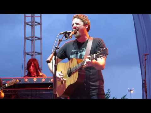 Sturgill Simpson - I Never Go Around Mirrors [Lefty Frizell cover] (Houston 05.10.16) HD