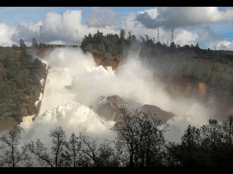 California Oroville Dam Spillway Failure evacuation ordered as Second Spillway Fails