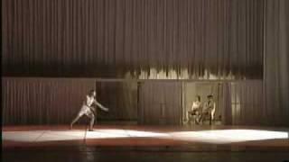 旋·夜(现代舞男子独舞,表演:崔凯)北京现代舞团