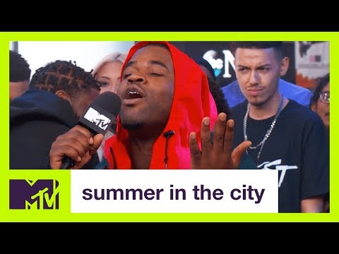 "A$AP Ferg Performs ""Plain Jane"" 