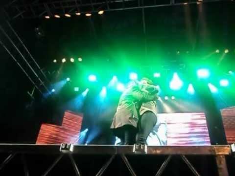 fabi no palco com daniel.AVI