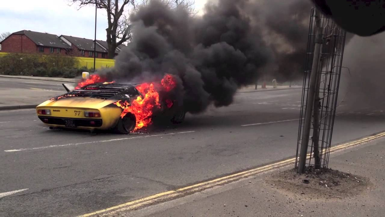 First Lamborghini Ever Made >> Lamborghini Miura SV catches fire in central London - YouTube