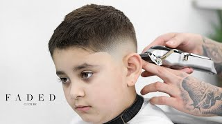 HOW TO DO A PERḞECT LOW FADE! BEGINNER BARBER TUTORIAL!