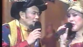 "Gambar cover [FULL] Konser Rhoma Irama 2002: ""26 Tahun Kembalinya Ratu dan Raja Dangdut"""