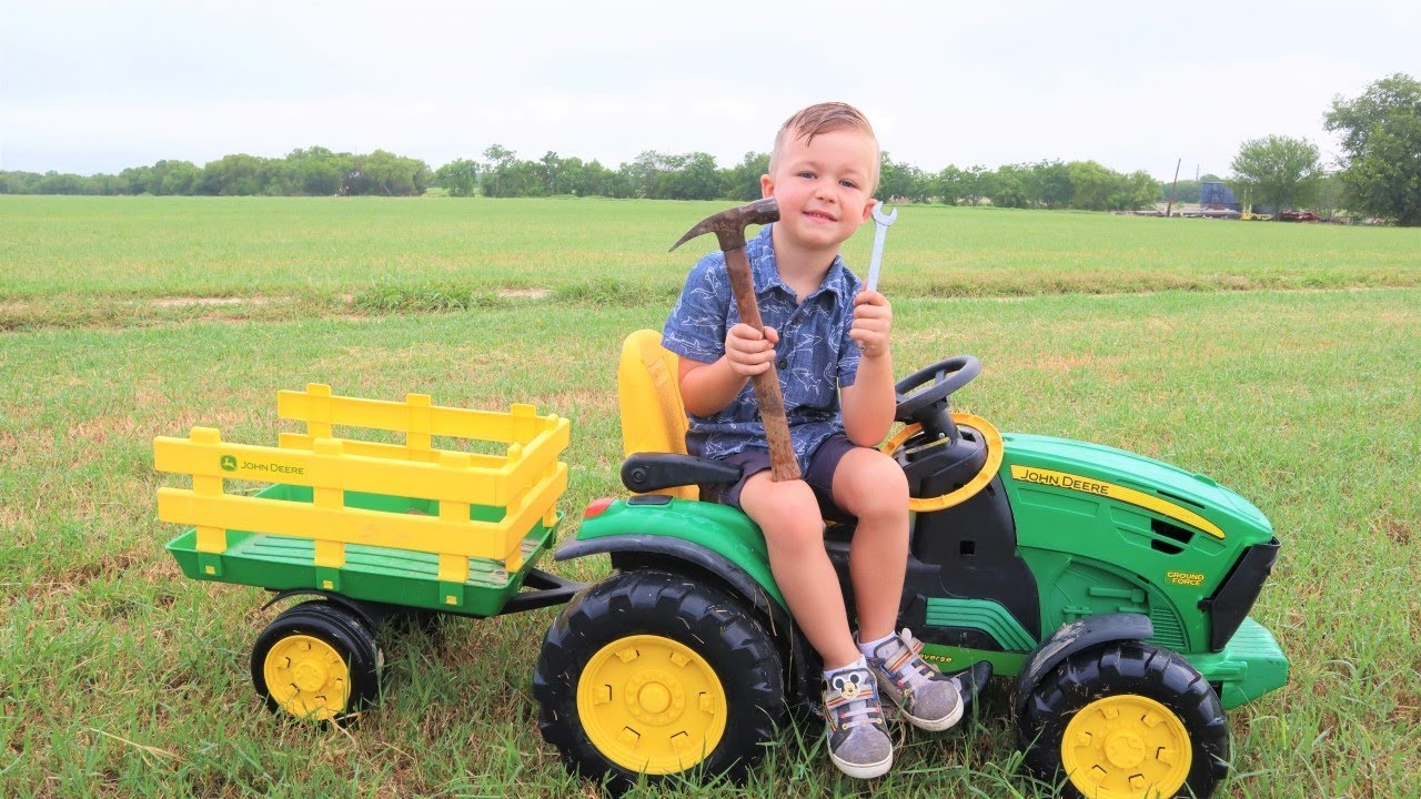Our tractor broke | Fixing a real tractor on the farm | Tractors for kids