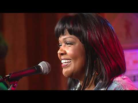 nashville-life-music-featuring-cece-winans-looking-up