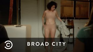 Download Video Ilana The Nude Model | Broad City MP3 3GP MP4