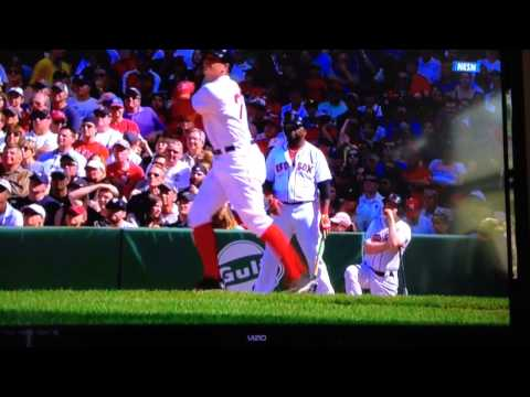 Boston Red Sox rookie Garin Cecchini's first MLB HIT & RBI
