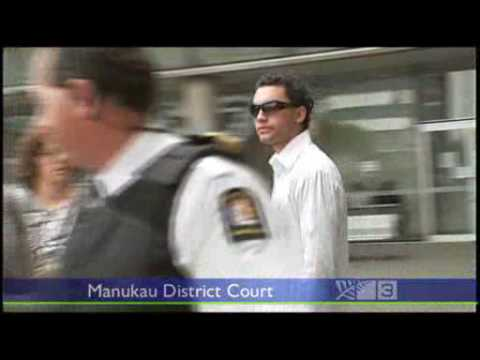 New Zealands Youngest killer Kurariki attacks media outside court
