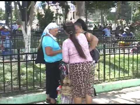 DISTURBIOS EN PARQUE CENTRAL DE SANTA TECLA - YouTube