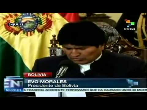 President Evo Morales accepts apologies over plane row