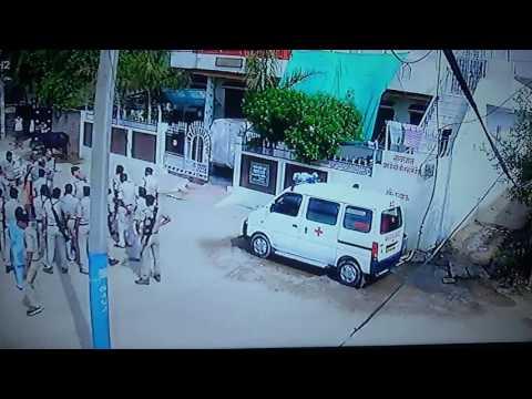 Bhind मलखानसिंह के घर अकारण भिंड पुलिस की बर्बरता भारी मात्रा में पुलिस