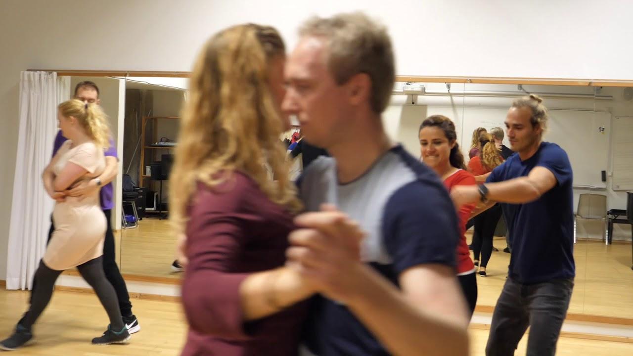 hvordan begynder du at danse igen hvorfor er han stadig aktiv på datingside