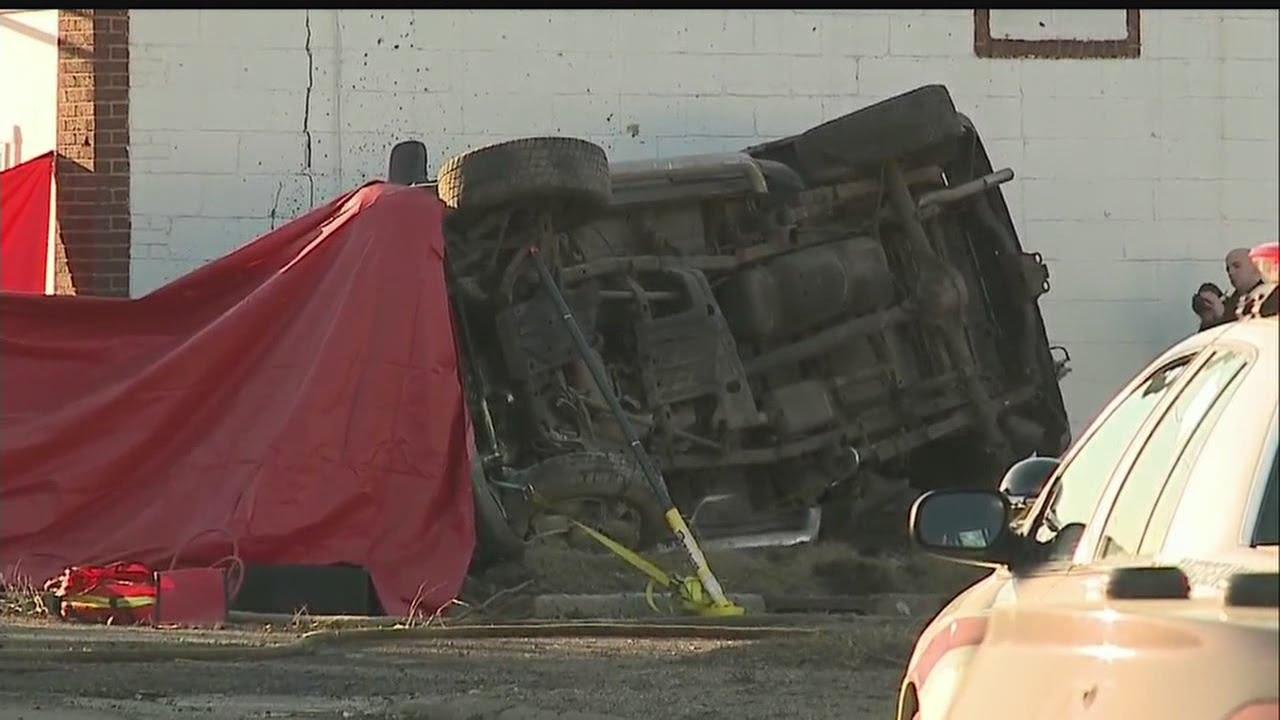 Download One confirmed dead in Warren crash
