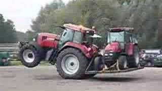 Farm Tractor CASE TRAKTOR in action used tractors show