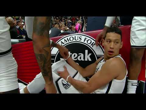 Jeremy Lin in serious pain in the season opener 2017/10/19