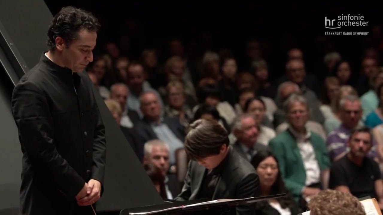 Seong-jin Cho - 2018.05.25 RACHMANINOV: Piano Concerto No. 2 (Frankfurt, Germany)