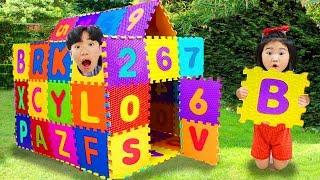 Boram brincando com blocos de brinquedo ♥ Boram Playing with Toy Blocks