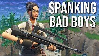 Spanking Bad Boys & Social Fail (Fortnite Game Night)