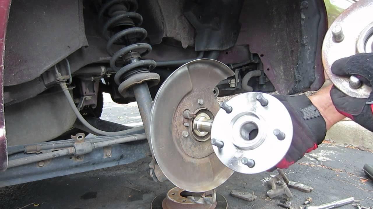 1997 Infiniti i30 Rear Wheel Hub Installation/Replacement ...
