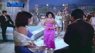 Gairon Pe Karam Apnon Pe Sitam - Lata - Aankhen (1968) - HD