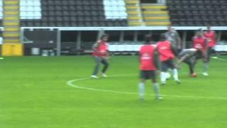 Brazil Training at Fulham (Brasil Treinando no Fulham)