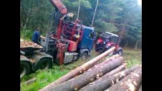 SCANIA V8 580 HP-dojazd do drewna