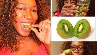Eating Kiwi Berry, Hardy Kiwifruit, Baby Kiwi, Dessert Kiwi, Grape Kiwi, Cocktail Kiwi