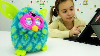 видео Игрушка Furby. Интерактивный питомец – совсем как живой