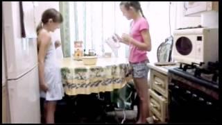 Кулинарное видео/ Ягодное мохито/ Всё про Всё)))(Ингридиенты: Мороженое (пломбир или шоколадное) Тютина (или черешня) Ярга (или смородина) Клубника (или малин..., 2015-06-11T15:23:36.000Z)