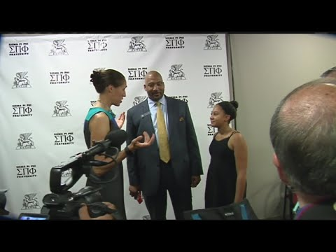 Local hero, new Hall of Famer Rebecca Lobo inspired students at luncheon