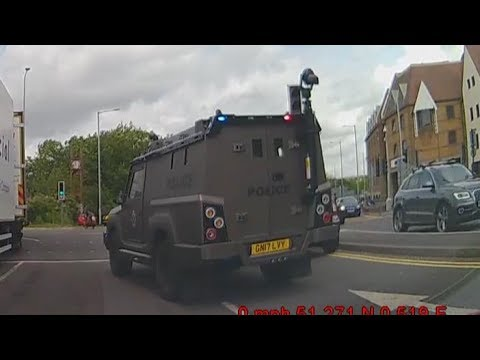 [DASHCAM] - *NEW* Police Armored Vehicle Responding