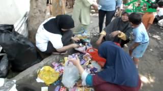 Video Kegiatan Bank Sampah Melati Bersih Taman Serua Pondok Petir Sawangan Depok   19 Oktober 2013
