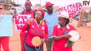 ENSONGA ZA BOBI WINE: E Makindye poliisi erinnye eggere mu kutambula kw'emirembe thumbnail
