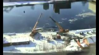 Double Fail: Two Cranes Drop Boat Into Water