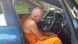 Blessing of new car buddist head monk Temple lol,ОСВЯЩЕНИЕ НОВЫХ АВТО ГЛ.МОНАХОМ ХРАМА ТАЙ LOL РЖАКА