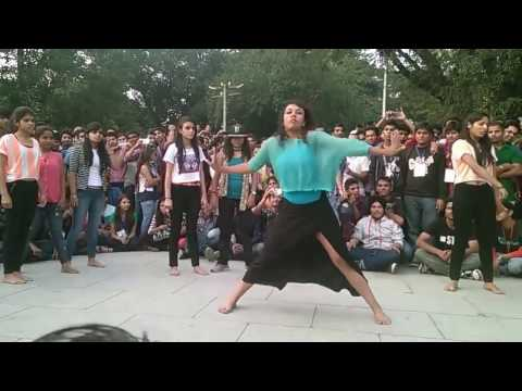 IIT College Girls Dance - Best Dance Videos