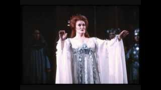 "Video Joan Sutherland-""Sedizïose voci...Casta diva...Ah! bello a me ritorna"", Norma, 1972 download MP3, 3GP, MP4, WEBM, AVI, FLV Agustus 2018"