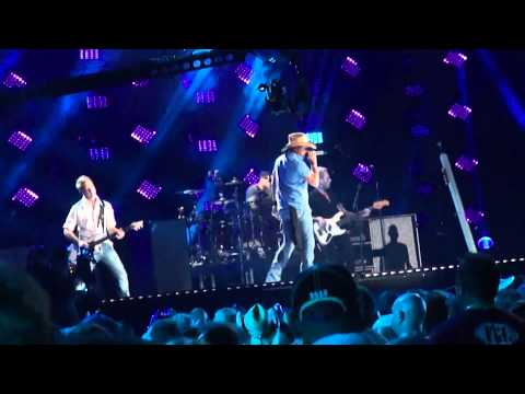 "Jason Aldean, ""Tonight Looks Good On You"", CMA Fest 2015"