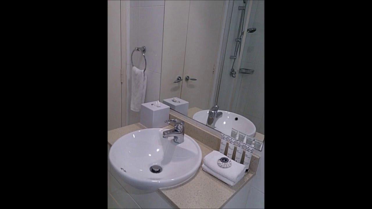 Meriton serviced apartments pitt street Sydney - YouTube