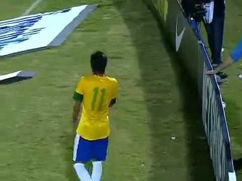 Brasil 8 x 0 China   Amistoso da Seleção NEYMAR HAT TRICK 10092012   YouTube 1