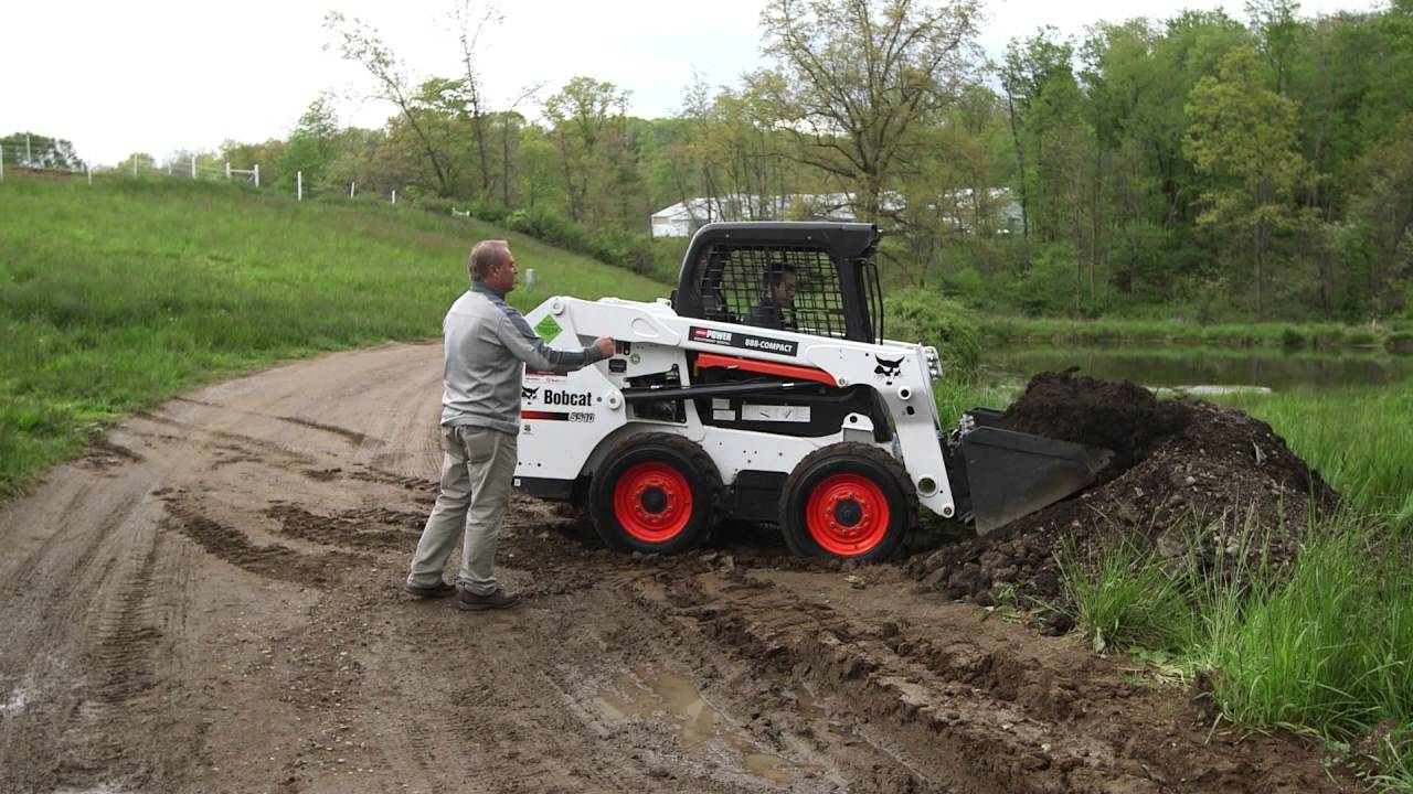 Loading and Unloading the Bucket on a Bobcat Skid Steer